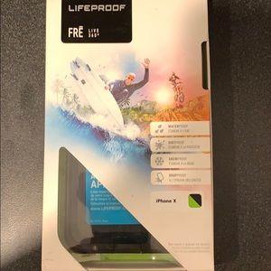 LIFEPROOF FRE iPhone X case